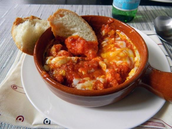 Spanish-Style Baked Eggs in Tomato Sauce