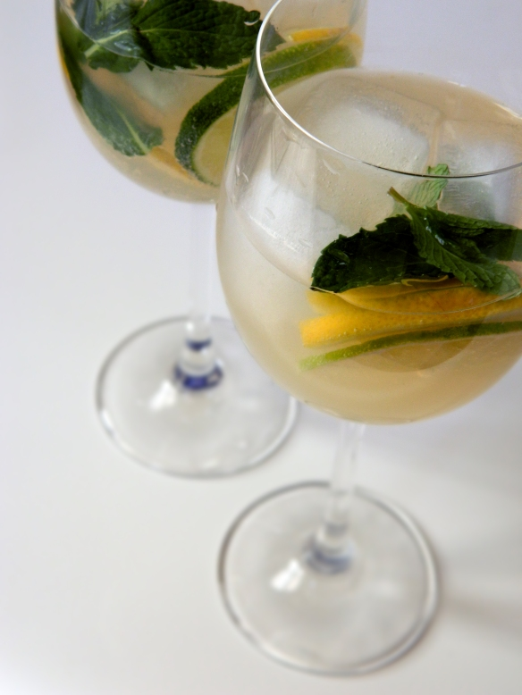White Wine Spritzer with Lemon Lime and Mint 2